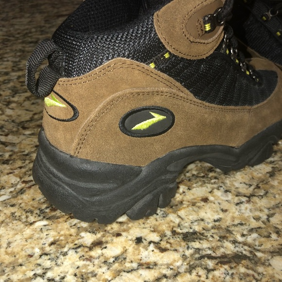 1a45d1f92ed Rare brooks Women's Hiking boot Sz 7.5